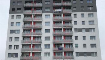 Docieplenie budynku mieszkalnego przy ul. Wilsona w Częstochowie #02 » Prace realizowane przez TRANSWOJ-BIS Sp. z o.o. » TRANSWOJ-BIS » Usługi budowlane - Generalny Wykonawca Inwestycji - Wynajem zwyżek Częstochowa - Budowa domów