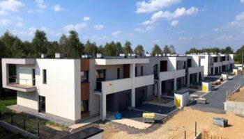 Budowa szeregówek w Częstochowie - Parkland #01 » Prace realizowane przez TRANSWOJ-BIS Sp. z o.o. » TRANSWOJ-BIS » Usługi budowlane - Generalny Wykonawca Inwestycji - Wynajem zwyżek Częstochowa - Budowa domów