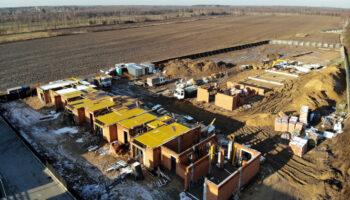 Budowa, jako Generalny Wykonawca, szeregówek w Częstochowie - Cognor #02 » Prace realizowane przez TRANSWOJ-BIS Sp. z o.o. » TRANSWOJ-BIS » Usługi budowlane - Generalny Wykonawca Inwestycji - Wynajem zwyżek Częstochowa - Budowa domów