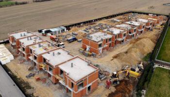 Budowa, jako Generalny Wykonawca, szeregówek w Częstochowie - Cognor #03 » Prace realizowane przez TRANSWOJ-BIS Sp. z o.o. » TRANSWOJ-BIS » Usługi budowlane - Generalny Wykonawca Inwestycji - Wynajem zwyżek Częstochowa - Budowa domów